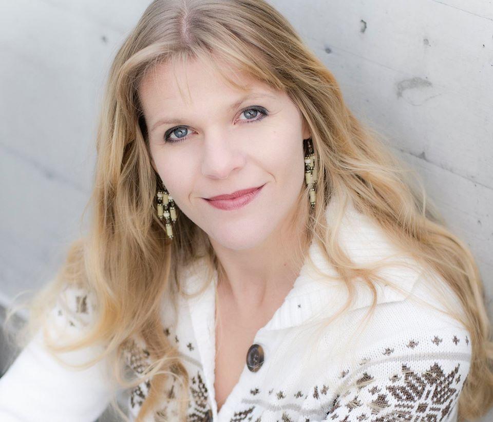 Suzanne Carey
